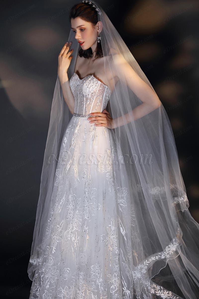 Vestido de novia de tul blanco con velo largo y encaje de novia
